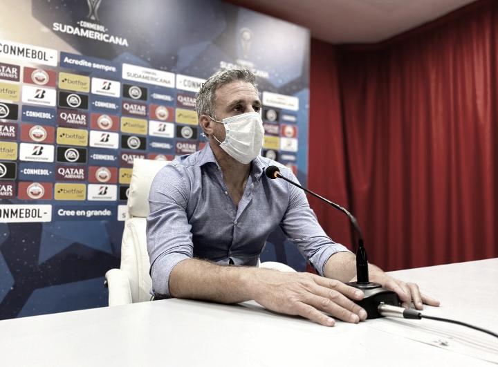 Pusineri en conferencia de prensa. Foto: Web.