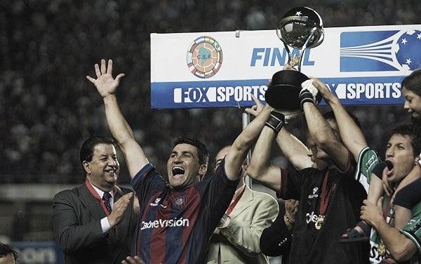 San Lorenzo, el primero en levantar la Sudamericana