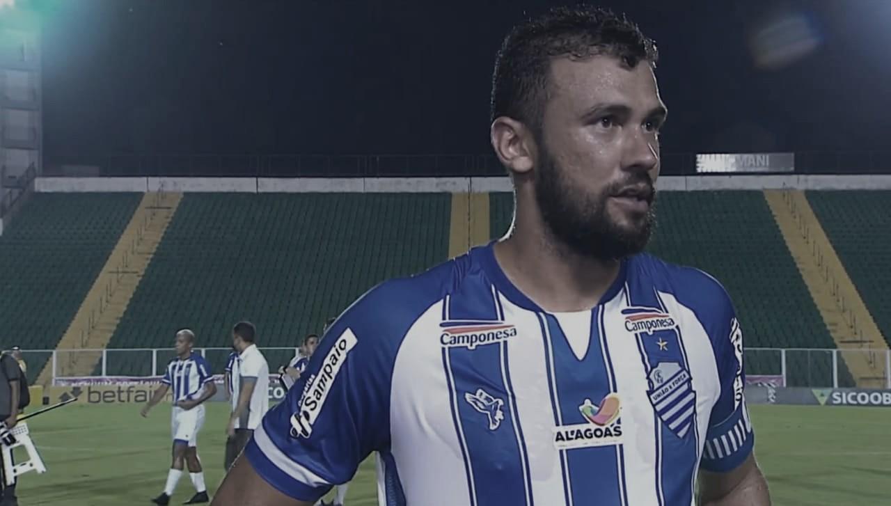 Apesar do empate com Figueirense, Luciano Castán ressalta entrada do CSA no G-4