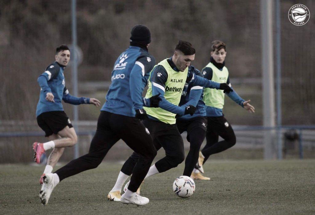 Los futbolistas del Alavés en el entrenamiento | Twitter Oficial Deportivo Alavés