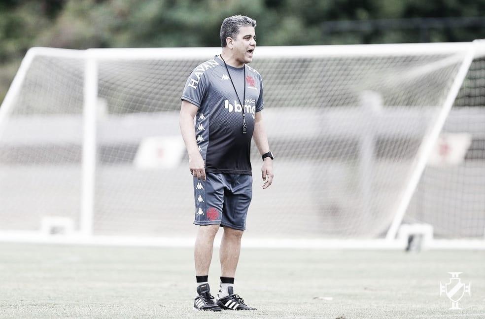 Vasco enfrenta Nova Iguaçu em busca da primeira vitória no Campeonato Carioca