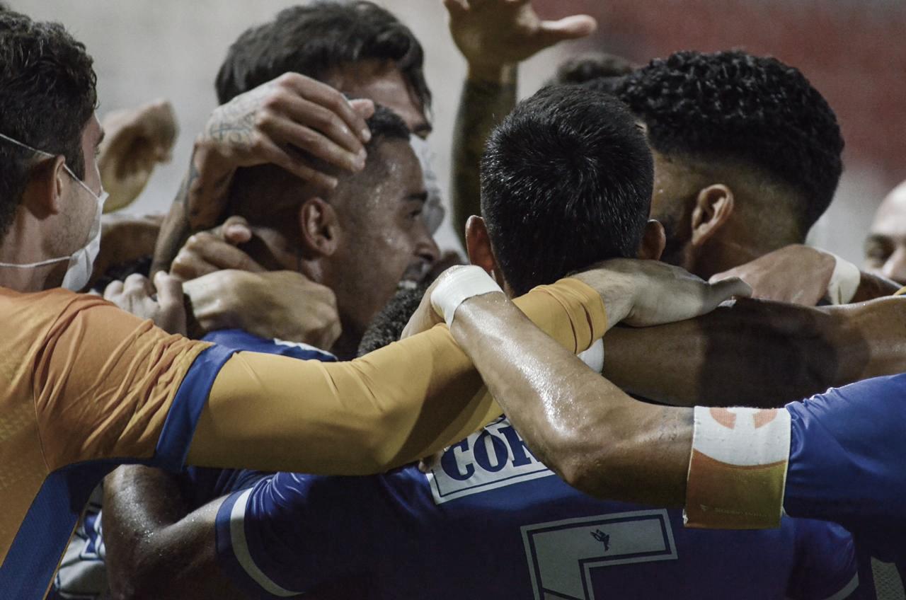 CSA vence Bahia, continua invicto na temporada e assume liderança provisória do Grupo B