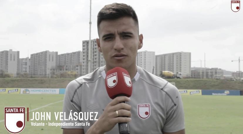 """John Velásquez: """"Aprovechar esta linda oportunidad que tenemos, jugar Libertadores y finales"""""""