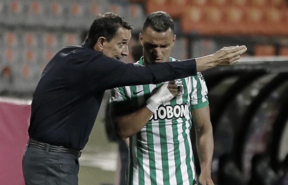 """Alexandre Guimarães: """"Los goles que recibimos fueron jugadas muy puntuales"""""""