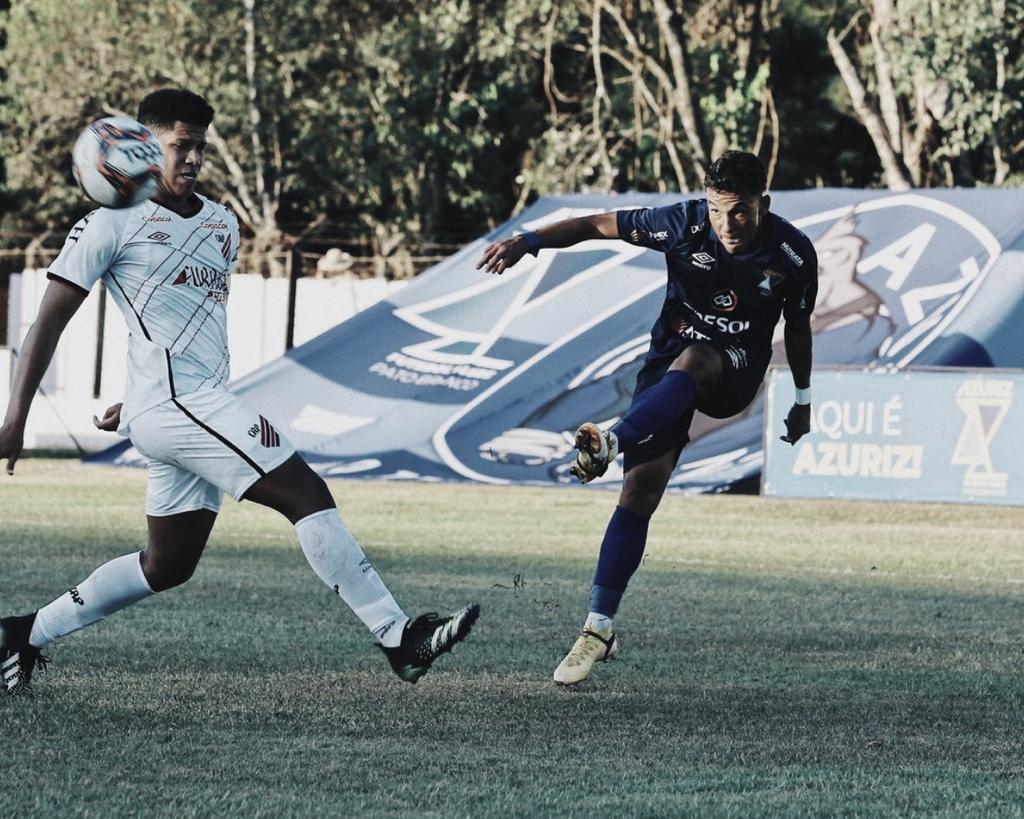 Azuriz vence e freia reação do Athletico no Campeonato Paranaense