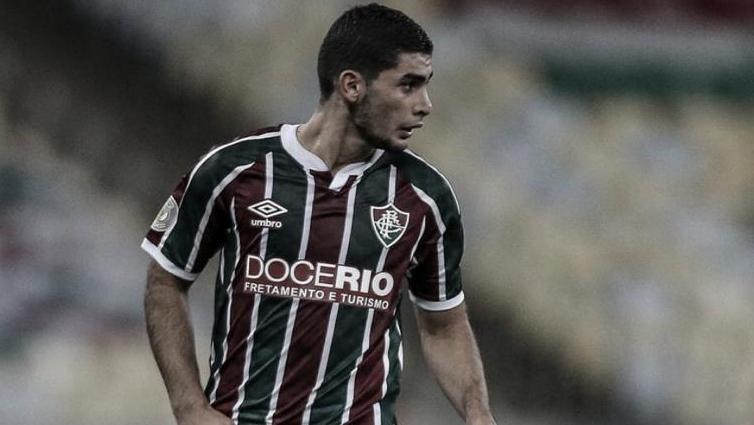 """Michel Araújo anuncia saída do Fluminense: """"Continuo na torcida"""""""
