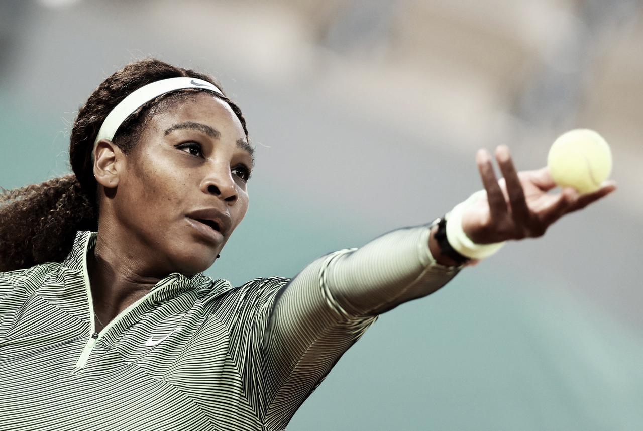 Serena Williams bate Begu na estreia em Roland Garros