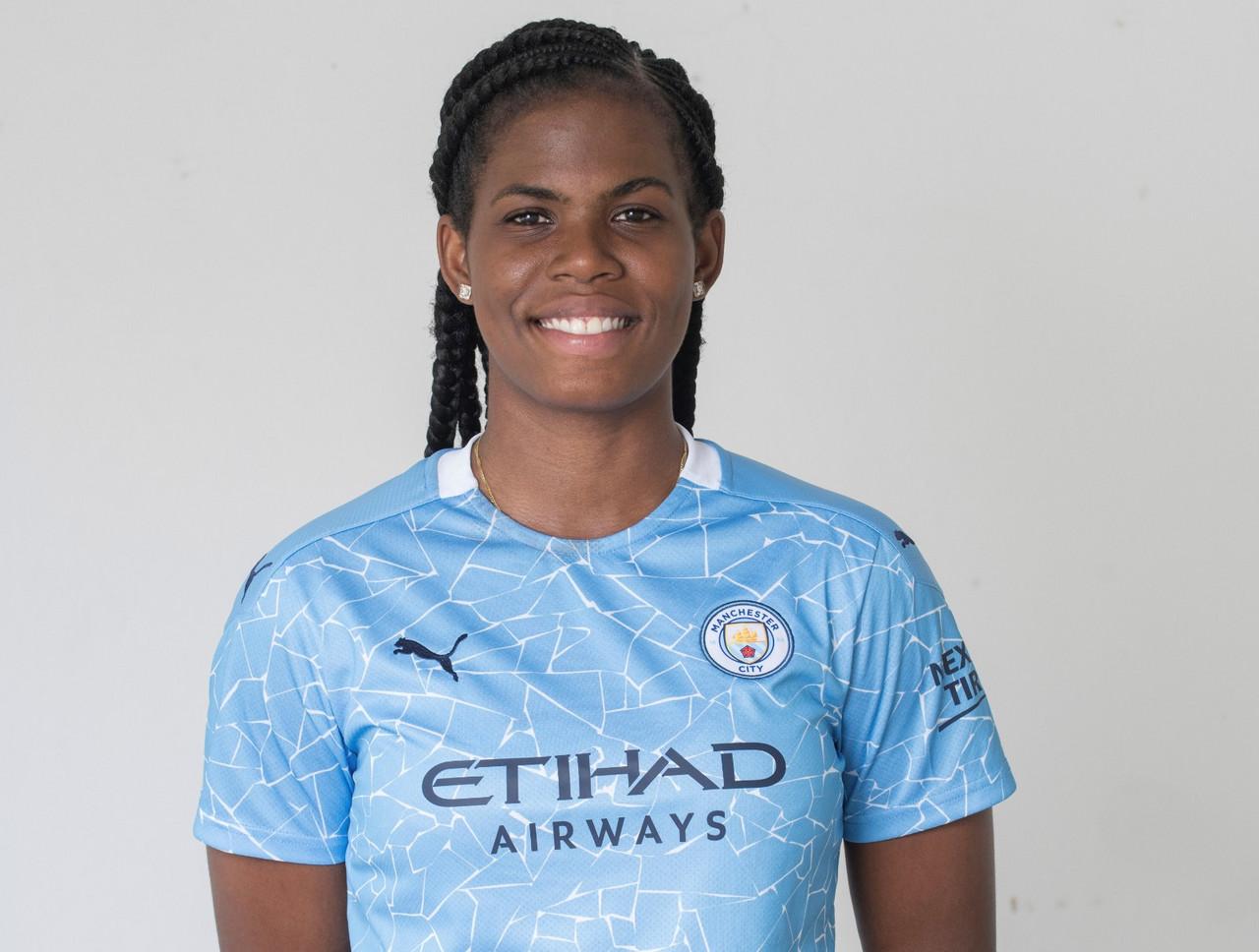 Khadija 'Bunny' Shaw joins Manchester City on three-year deal