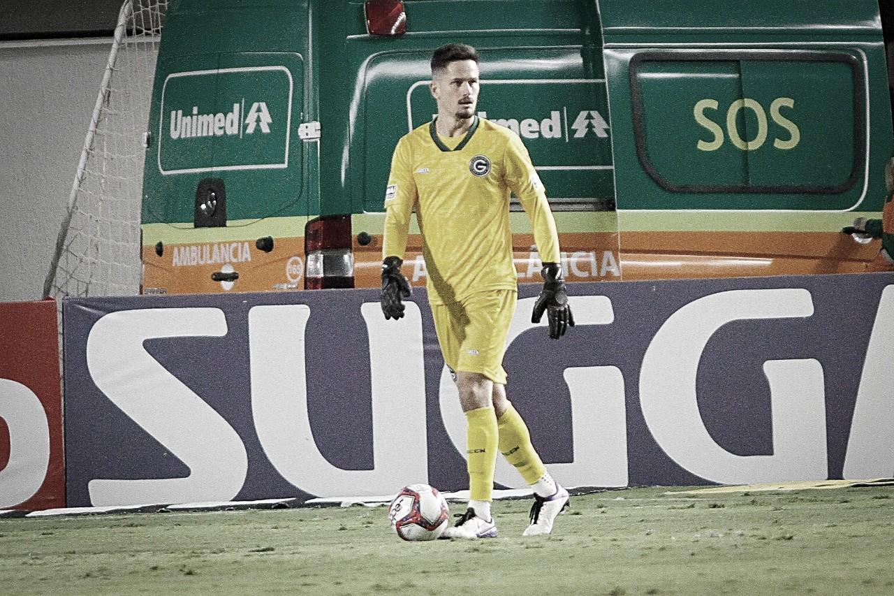 Em seu centésimo jogo no Goiás, Tadeu avalia vitória esmeraldina sobre Vasco