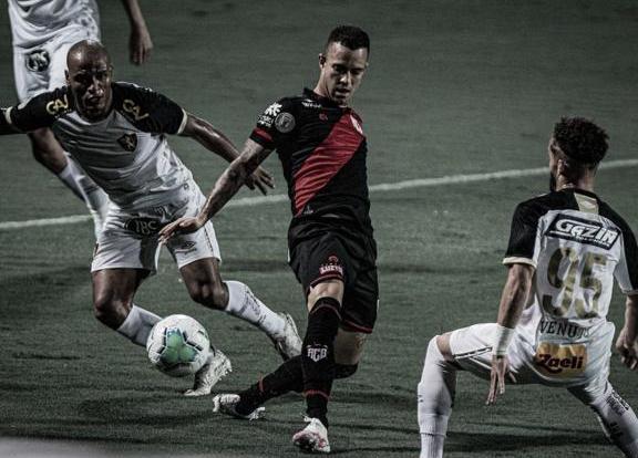 Duelo rubro-negro: em boa fase, Atlético-GO recebe Sport em Goiânia