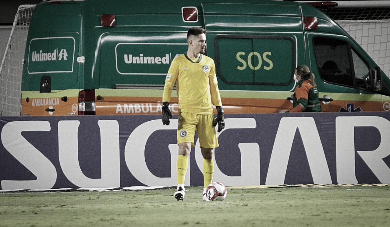 Destaque do Goiás na vitória sobre CSA, Tadeu comemora resultado e exalta força da equipe