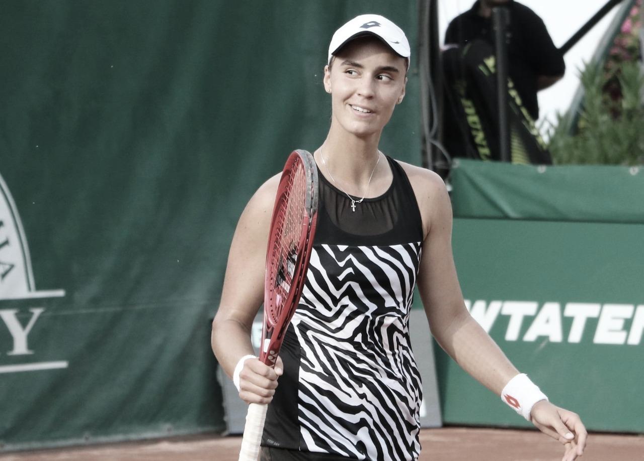 Kalinina aproveita abandono de Collins e garante vaga na final de Budapeste