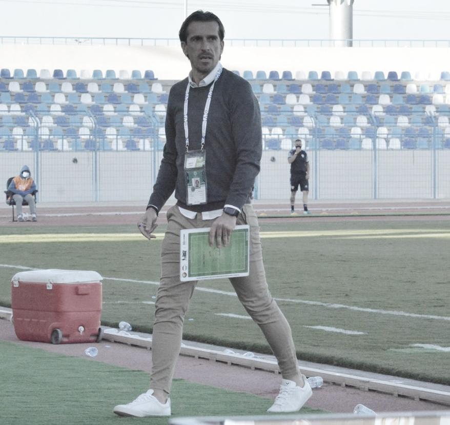 Após sucessos de compatriotas, técnico Paulo Gomes revela desejo de trabalhar no futebol brasileiro
