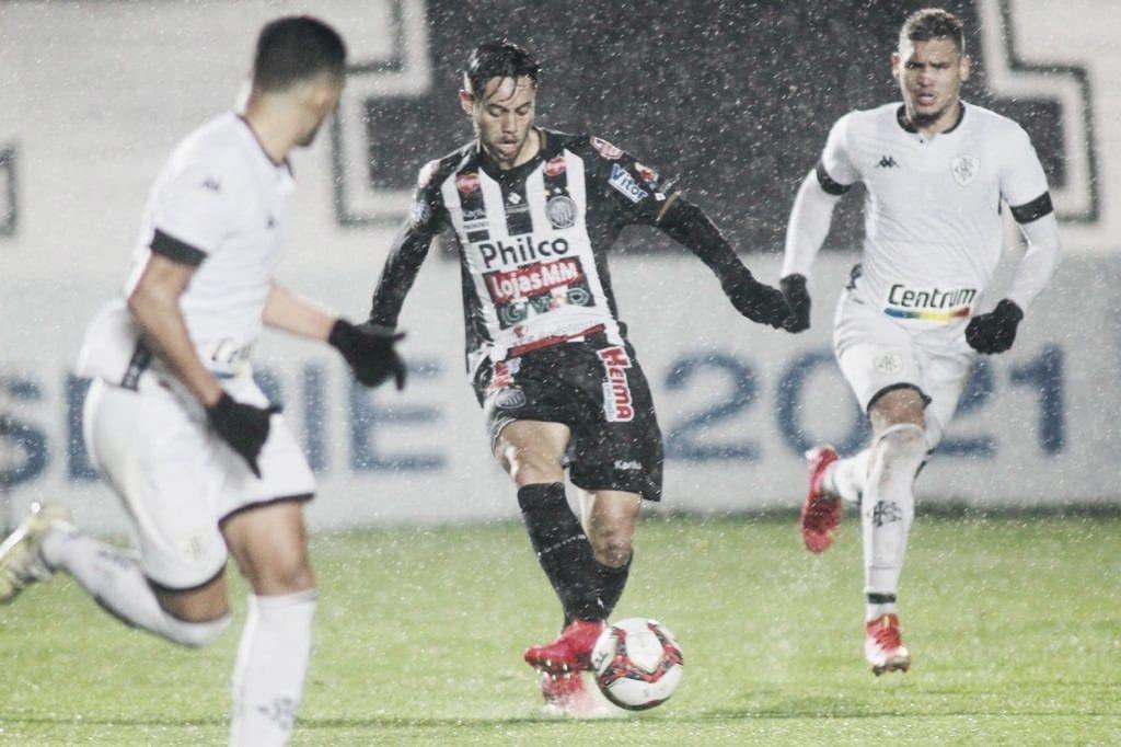 Operário quebra sequência do aniversariante Botafogo e cola no G-4 da Série B