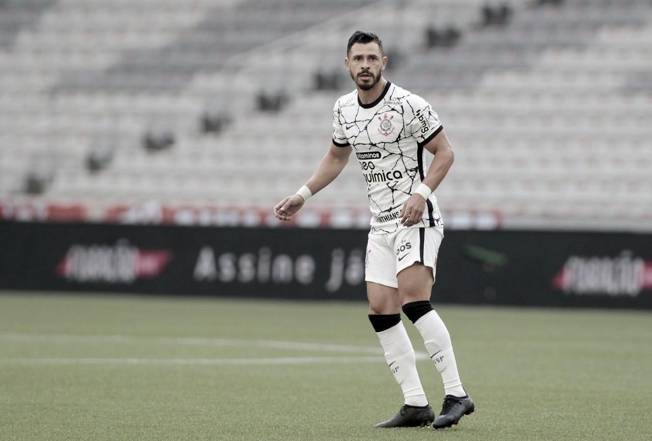 Desempenho de Giuliano faz Corinthians evoluir na temporada; confira números