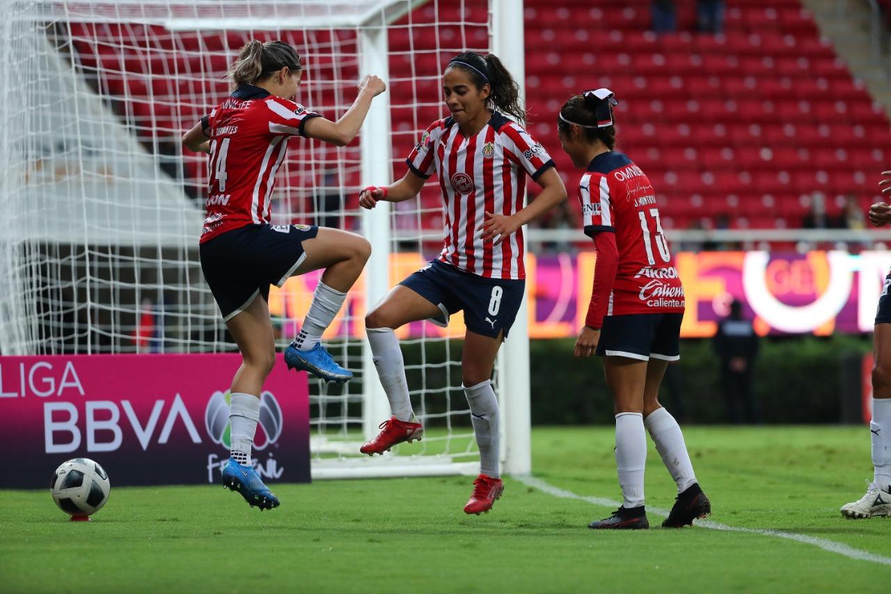 Alicia Cervantes comanda el triunfo de Chivas en el Clásico Tapatío Femenil