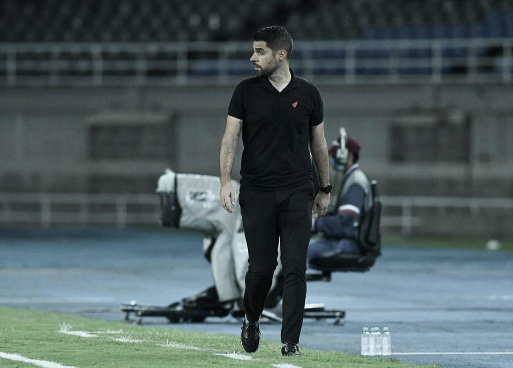 António Oliveira pede demissão e não é mais técnico do Athletico-PR