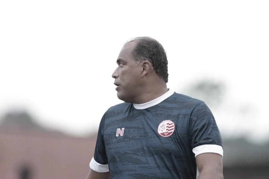"""Marcelo Rocha lamenta derrota, mas valoriza desempenho do Náutico: """"Tivemos uma melhora"""""""