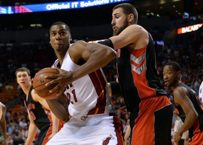 NBA, guai per Toronto e Miami: Valanciunas e Whiteside salutano la serie