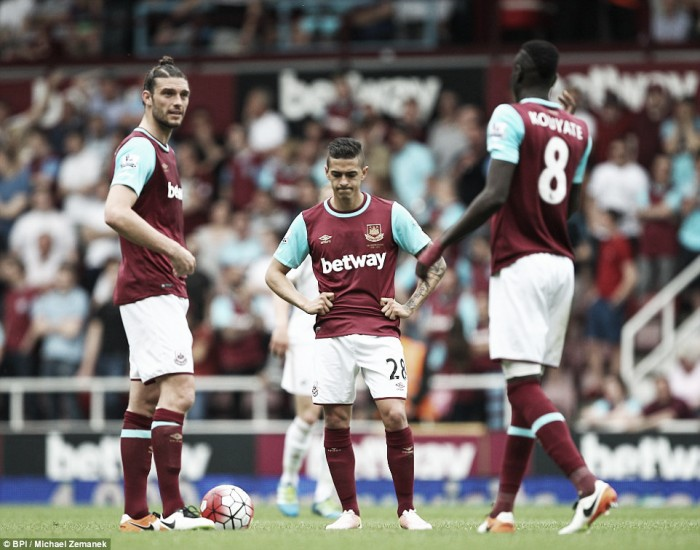 West Ham United 1-4 Swansea City: Hammers given a pasting by Swans in penultimate Boleyn game