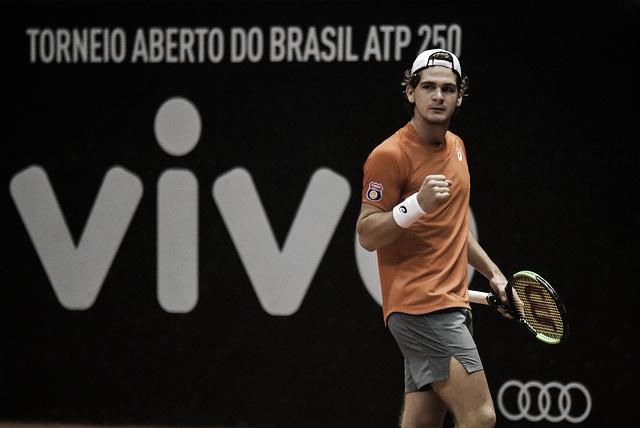 Thiago Wild sofre, mas conquista primeira vitória em nível ATP e avança no Brasil Open
