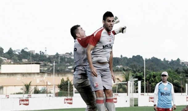 William Alves transforma vaias em aplausos e dedica gol ao filho