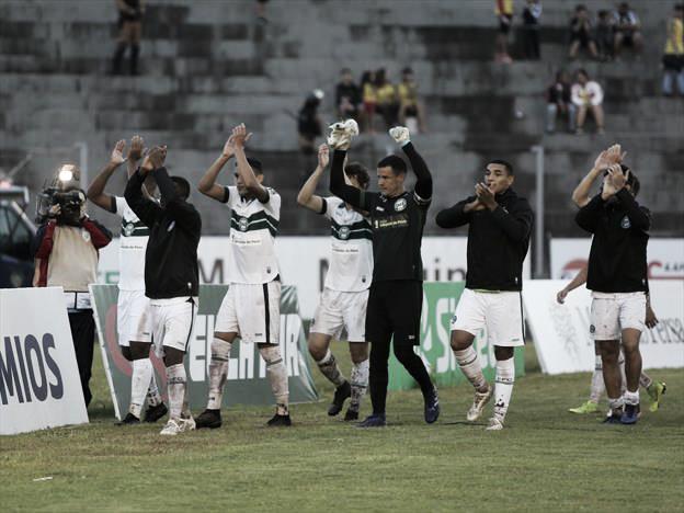 """Herói da classificação, Wilson elogia elenco do Coritiba: """"Grupo mais preparado"""""""