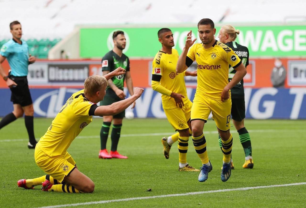 Bundesliga - Il BVB vince con gli esterni: 0-2 al Wolfsburg