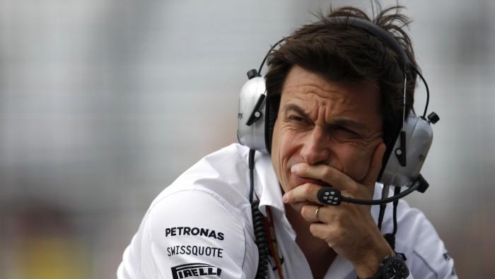 F1, Wolff sprona Hamilton
