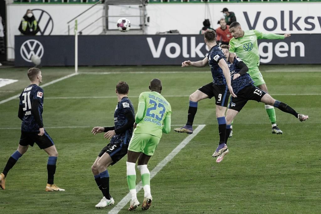 Wolfsburg vence Hertha Berlin na Bundesliga com dificuldades