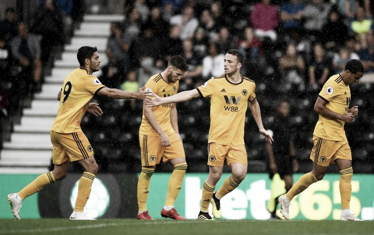 Após seis temporadas, Wolverhampton volta à Premier League e recebe Everton em casa