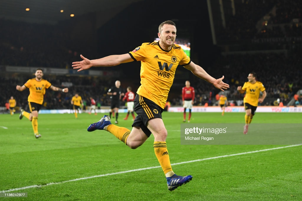 Wolverhampton Wanderers Vs Manchester United: Classic Encounters