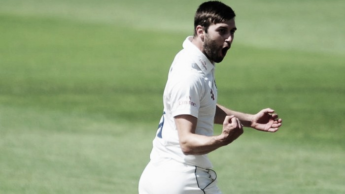 Mark Wood makes impressive Championship comeback on crazy opening day in Taunton
