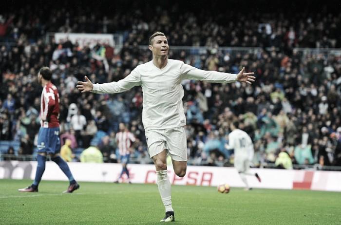 Real Madrid sofre, não joga bem, mas bate Sporting Gijón com dois de CR7