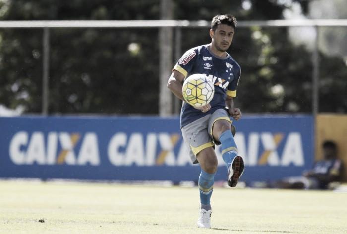 Robinho lamenta chances perdidas após novo revés do Cruzeiro no Brasileirão