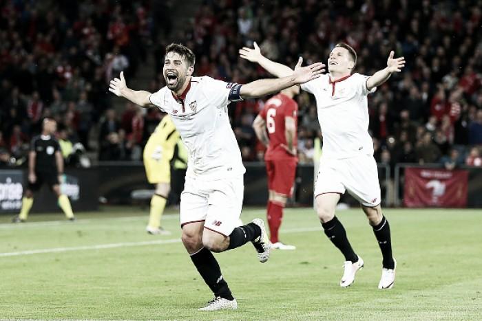 Segue o pacto! Sevilla vira sobre Liverpool com dois de Coke e alcança tricampeonato da UEL