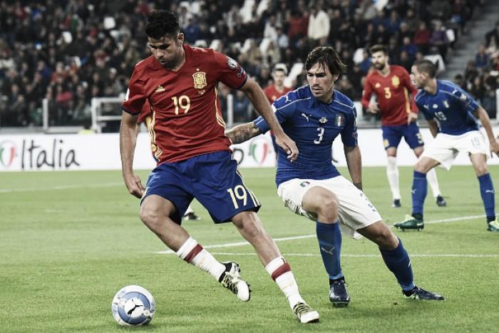 Buffon falha, mas De Rossi marca em pênalti duvidoso e Itália empata com Espanha em casa