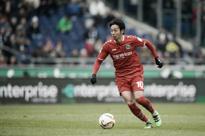 Após semanas de negociações, Sevilla acerta com meia japonês Hiroshi Kiyotake, ex-Hannover 96