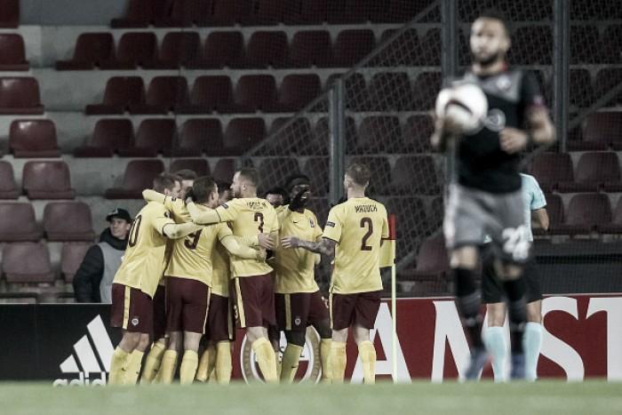 Sparta Praga bate Southampton pelo placar mínimo e avança como líder à segunda fase da UEL
