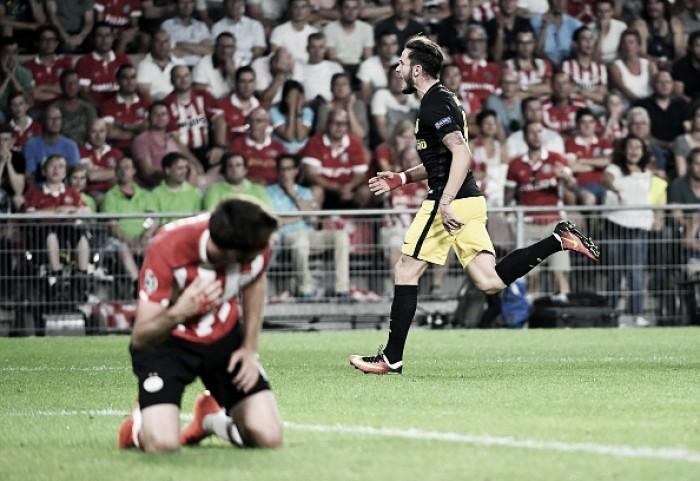 Atlético de Madrid sofre, mas vence PSV pelo placar mínimo em jogo de arbitragem polêmica