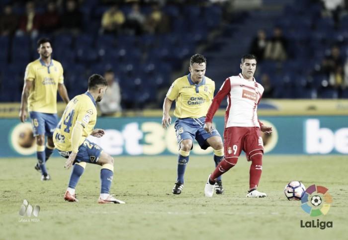 Las Palmas domina, mas fica apenas no empate sem gols com Espanyol em casa