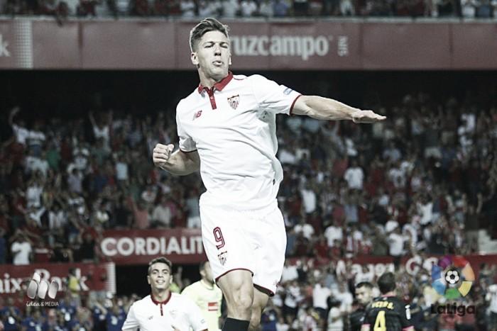 Com dois de Vietto, Sevilla bate Espanyol em partida espetacular de dez gols