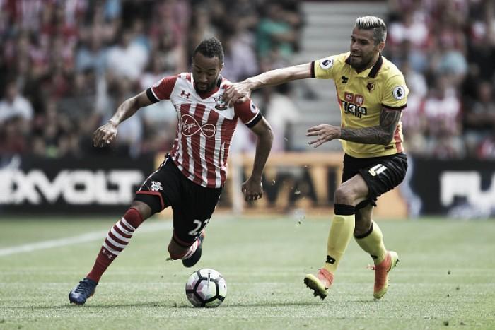 Estreante Redmond marca, mas Southampton apenas empata em casa com Watford