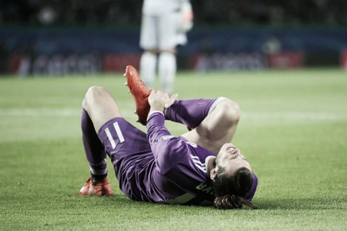 """Bale sofre luxação no tornozelo e jornal espanhol """"Marca"""" crava sua ausência no El Clásico"""