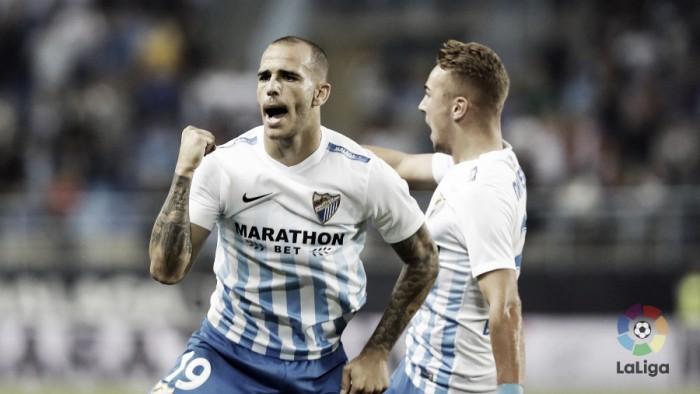 Málaga sai atrás duas vezes, mas vira no fim sobre Gijón em casa