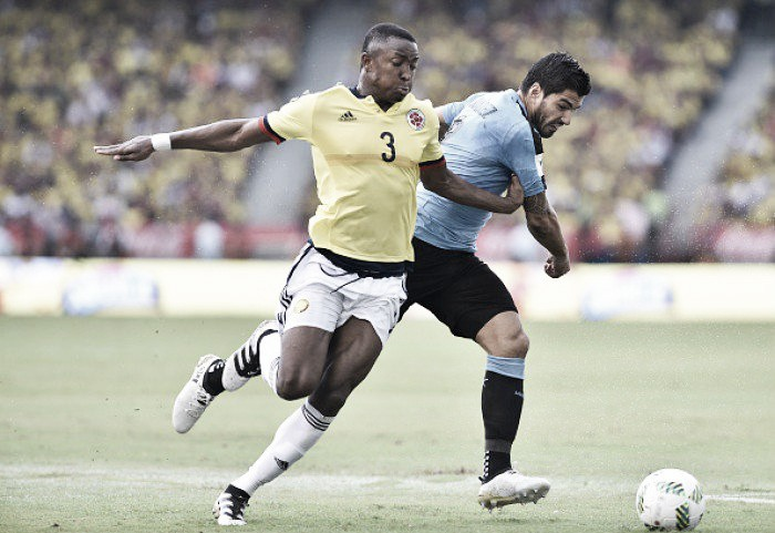 Suárez iguala marca de Crespo, mas Uruguai empata com Colômbia e vê liderança ameaçada