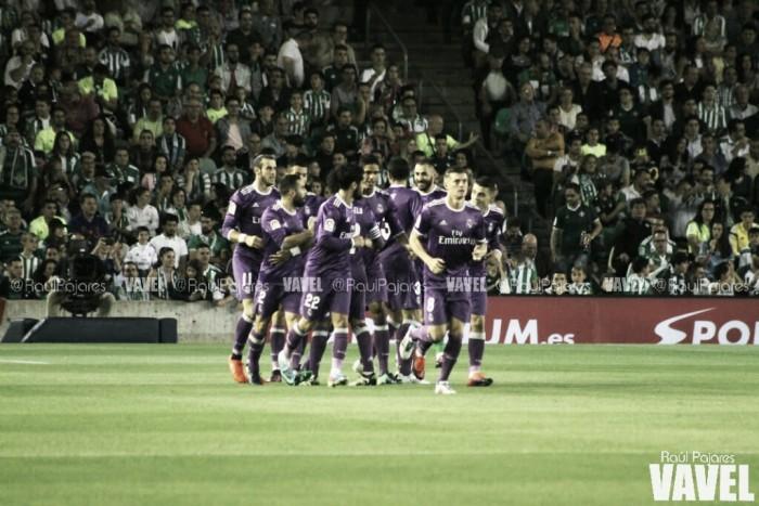 Real Madrid domina do início ao fim e atropela Real Bétis fora de casa