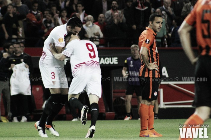 Sevilla bate Shakhtar com dois de Gameiro e avança à terceira final consecutiva da UEL