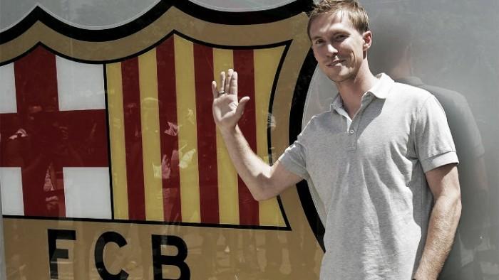 Ex-Barcelona, meia Hleb admite arrependimento de ter assinado com clube espanhol