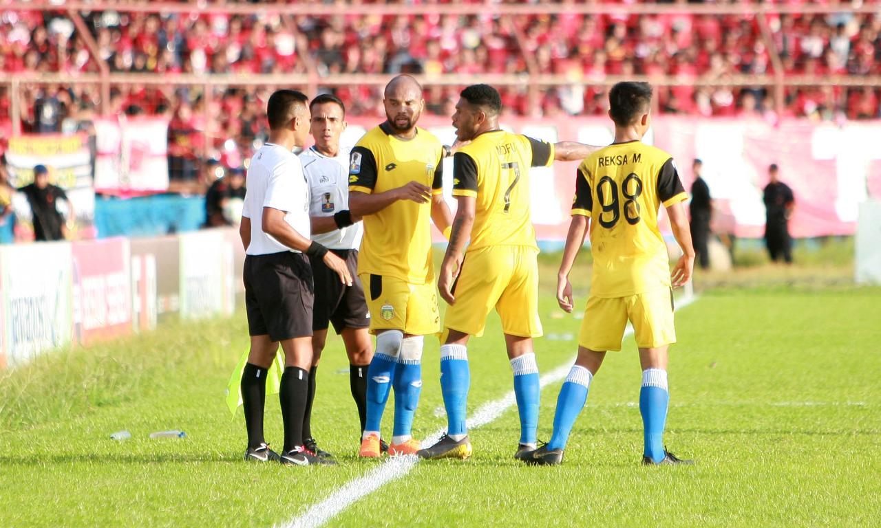 Laga PSM vs Bhayangkara FC Dievaluasi